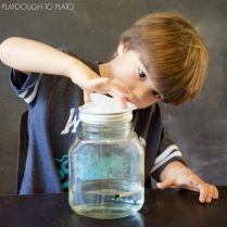 Make-a-cloud-in-a-jar-What-an-awesome-science-experiment-for-kids.-1024x1024